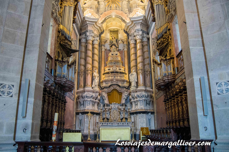 iglesia de la torre de los clérigos en Oporto - Los viajes de Margalliver que ver en Oporto